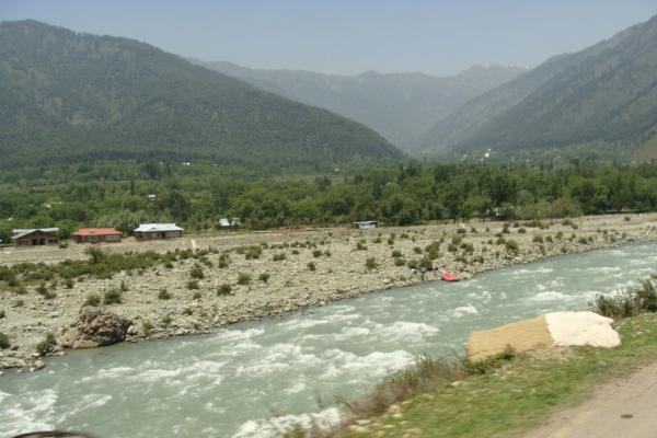 Srinagar Tour Package With Houseboat